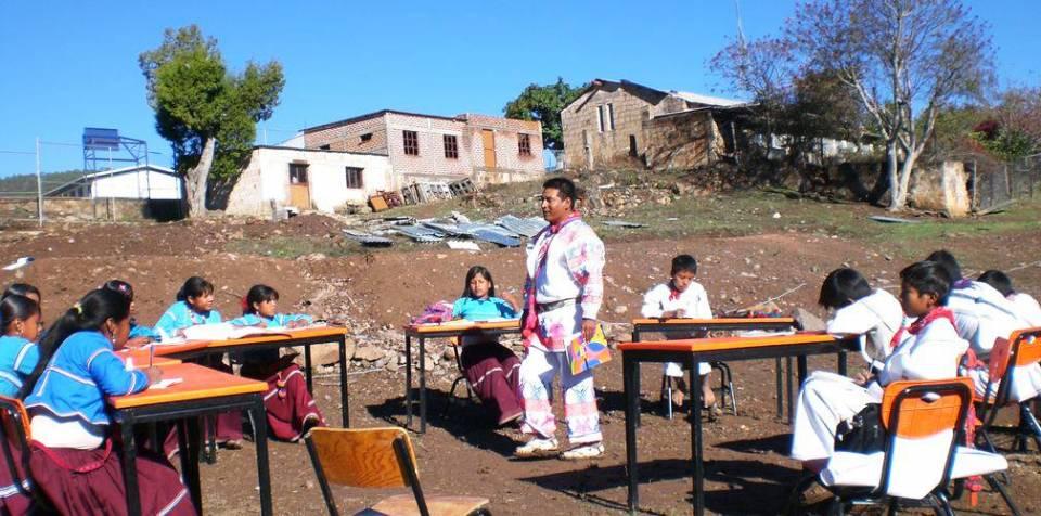 Abordar el reto de los derechos indígenas desde la educación