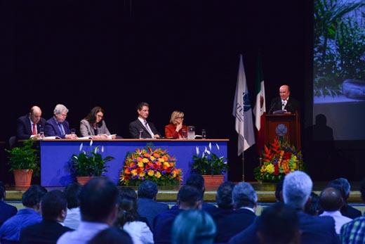 El Rector ante la Junta de Gobierno del ITESO
